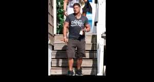 Ronnie-Ortiz-Magro-Out-shopping-for-camping-supplies-Seaside-Heights-USA...