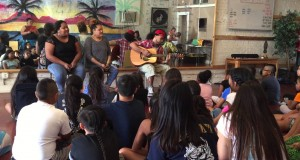 Samu performing for the kids at the Poly Atamai Summer Camp in Sacramnto 2015